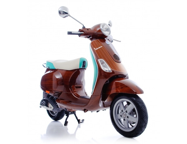 """Tribute"" Vespa / Digital Veneer"